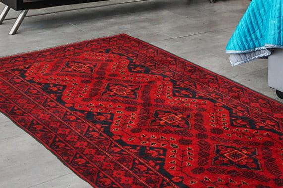 Remek áron vásárolhat kézi csomózású szőnyegeket.
