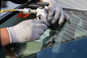 Profi szélvédő javítás elérhető áron.