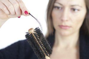 Lépések a női hajhullással szemben.
