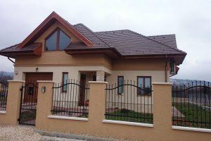 Családi ház kivitelezés energiatakarékos céllal.
