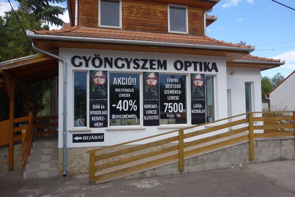 reklámtáblák
